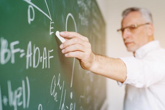Desarrollo y estructura factorial de un instrumento de actitud hacia el uso de la tecnología para la enseñanza y la investigación en docentes universitarios